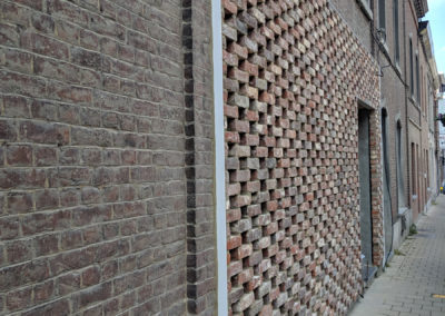 0378_PONT_03_bricks_workinprogress_brickfacade_claustra_house_belgianarchitecture_architectureinbelgium_housing_ici_architecture